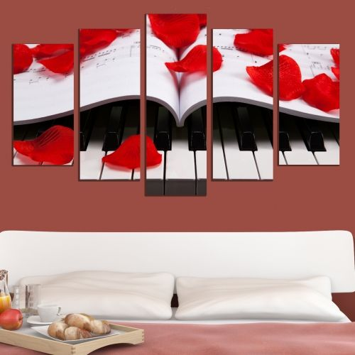 Wall art set with roses and piano