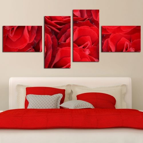 Wall decoration with red roses