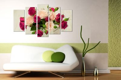 canvas print decoration with roses in a vase