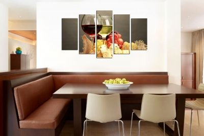 Art canvas decoration with red and white wine
