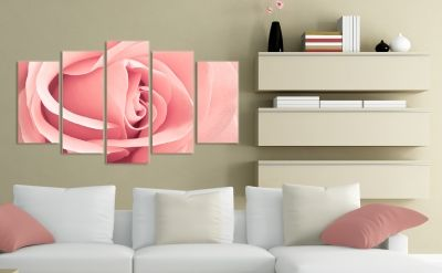 Wall decoration with rose