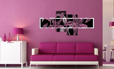 Wall decoration in black and purple