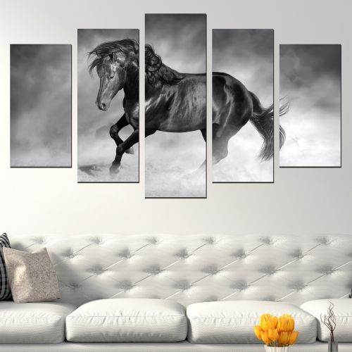 5 pieces home decoration with black horse