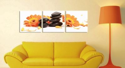 Wall art decoration with orange flowers
