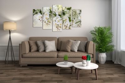 Canvas wall art set ot 5 pieces in white and green for bedroom